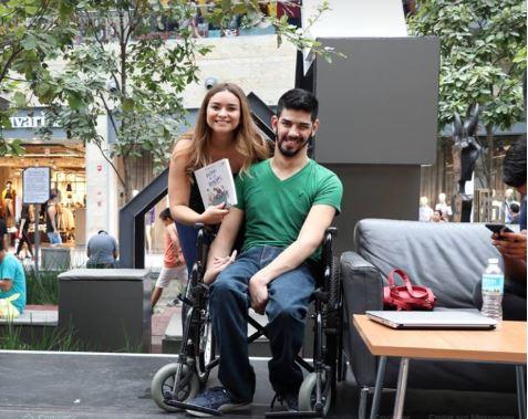 escritor con discapacidad